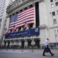 US stocks slump amid fears about European banks
