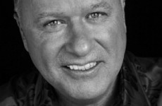 Irish radio stations will play a song in tribute to Tony Fenton this afternoon