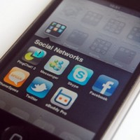 Poll: Should governments be able to block social network users?