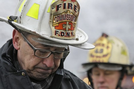 New York's Fire Commissioner Daniel Nigro describes the fire to reporters.