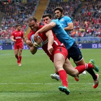 Wales hit Italy for 61 and set Ireland a target to chase in Edinburgh