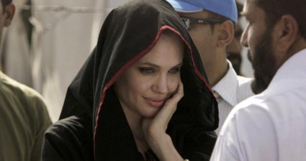 Angelina Jolie visits flood-struck Pakistan