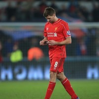 Steven Gerrard sent off 30 seconds after coming on as a substitute against Manchester United