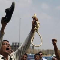 Judge in Mubarak trial stops live TV coverage