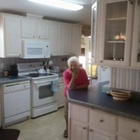 This sassy granny's property listing is simply hilarious