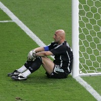 Oops! The 11 worst goalkeeping errors ever