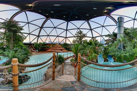 """A """"subtropical swimming paradise"""" at one of Center Parc's UK resorts"""