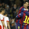 Messi's cracking curler and 2 from Suarez put Barcelona 4 points clear