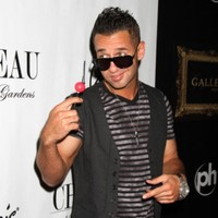 Clothing chain willing to pay Jersey Shore stars NOT to wear its clothing