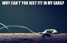 9 struggles of people with ears too small for headphones