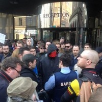 Angry scenes at venue where far-right Polish leader due to appear