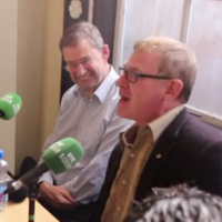 A unionist sang an Orange song in the GPO on Easter Monday in front of Dev's grandson