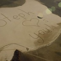 This teen sent her astronaut dad a desert message he could see from space