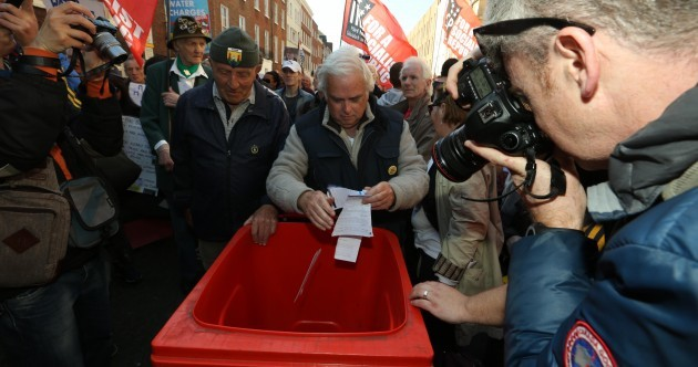 PICS: Massive turn-out for 'Bin your Bills' protest in Dublin