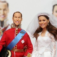 Mini-monarchy: Now you can buy William and Kate wedding dolls