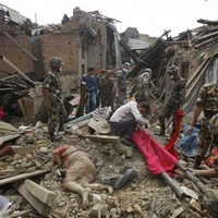 Nepal death toll passes 2,500 as fresh aftershocks and avalanches hit