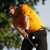 Golfer Holmes to undergo brain surgery