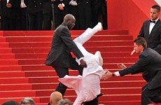 Jason Derulo didn't fall down the stairs at the Met Ball, he wasn't even there