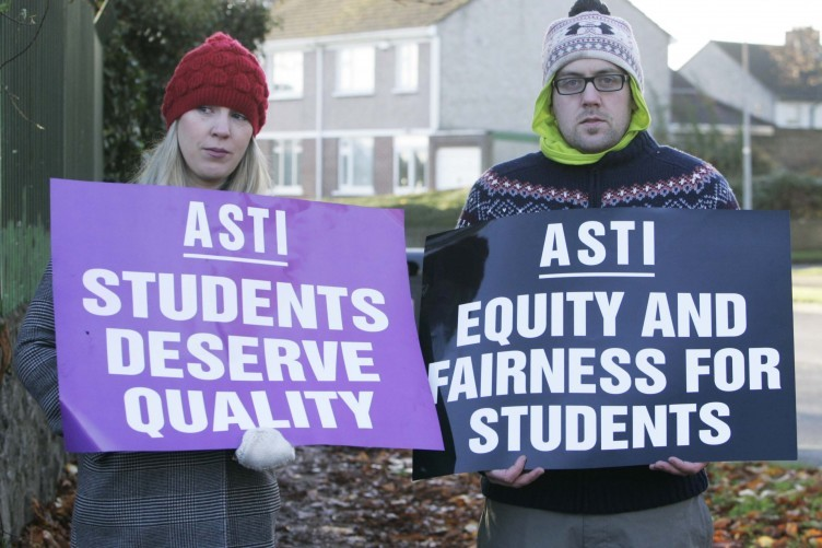 Two teachers unions have announced that a second one day strike will be staged in January in protest at changes to the Junior Cycle.