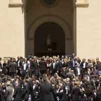 Bono sang a touching version of 'One' at Dave Goldberg's funeral
