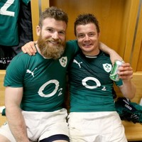 BOD and D'Arcy are hairstyle fwends! It's the sporting tweets of the week