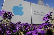 Apple shares tumble in after-hours trading as Jobs resigns