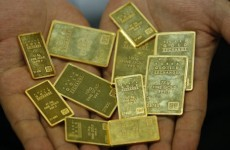 Gold falls below US$1,800 as rush ends