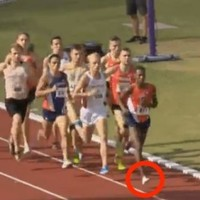 This 1500m runner lost his footwear mid-race and still won