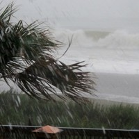 """Don't wait. Don't delay"" - Obama urges those in Irene's path to move quickly"