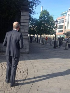 A power interruption from Enda - as Fine Gael picks the WRONG day to canvass Luas passengers