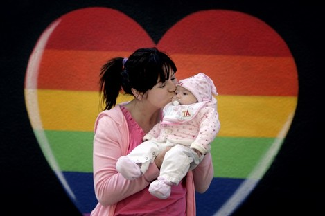 Laura Lea from Clonee, Meath with nine-week-old Aurora, at a Yes campaign event earlier this week.
