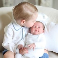 Prince George and Princess Charlotte have turned the internet into a puddle of mush