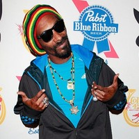 Snoop Dogg is suing hipsters' favourite beer PBR for €60m