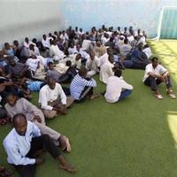 Libyan rebels round up black Africans