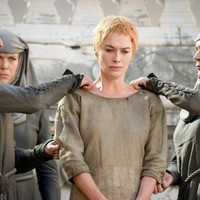 Everyone is losing their minds over THAT death on tonight's Game of Thrones finale