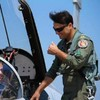 The internet is obsessed with this fighter pilot who looks like Tom Cruise in Top Gun