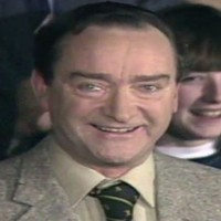 Veteran RTE broadcaster Liam Ó Murchú has died