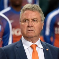 Holland turn to former defensive great as Hiddink quits as boss