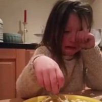 This Irish girl is going viral on Facebook for explaining why she doesn't eat animals