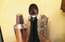 Does putting a spoon in a bottle of Prosecco actually keep it fizzy overnight?