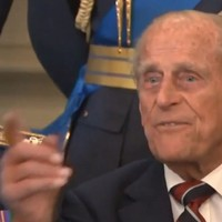 """""""Just take the f*cking picture"""" says a fed-up Prince Philip"""