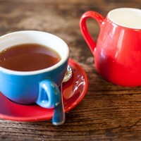 This guy has been drinking tea wrong his whole life -- like, REALLY wrong