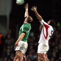 A new statue at Shannon airport is marking one of Irish sport's most iconic moments