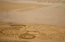 A man took things to the next level with this intricate beach proposal