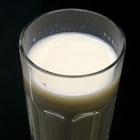 Poll: Would you drink unpasteurised 'raw' milk?