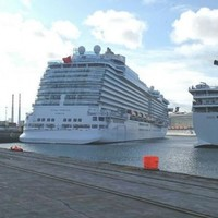 10,000 tourists, four MASSIVE ships: The cruise-liners are jammed into Dublin today