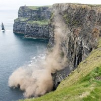 Here is why warning signs at the edges of cliffs should not be ignored