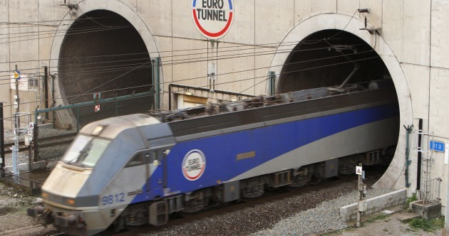 One dead as 1,500 migrants try to storm Eurotunnel