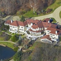 'Bankrupt' rapper 50 Cent has a 24-bathroom house with a nightclub in it
