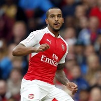No Liverpool move for Theo Walcott as he becomes one of Arsenal's best paid players